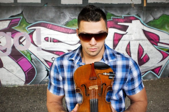 SVET Violinist