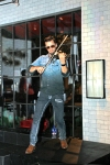 Svet the Violinist16