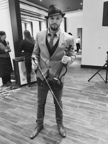 svet-the-violinist-15-del-lago-resort-casino